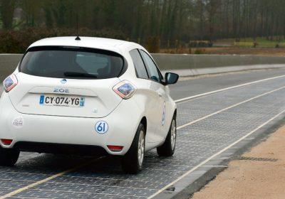 La Francia inaugura Wattway, una strada di pannelli solari. Come un parquet…