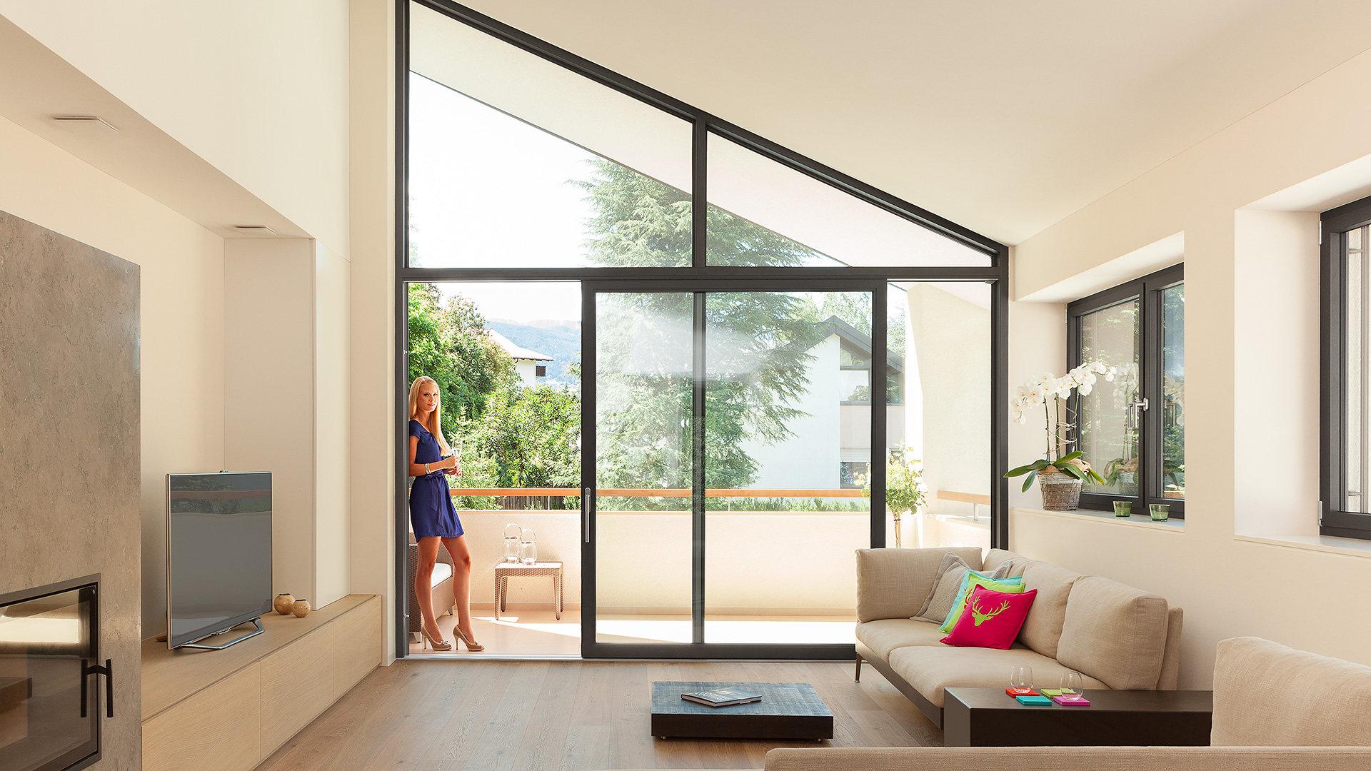Windor rivenditore finstral a taranto e garantisce la - Finestre per tetti prezzi ...