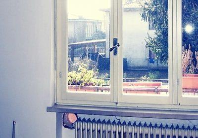 Infissi in legno: ecco le bugie dei falegnami che ti fanno buttare soldi dalla finestra